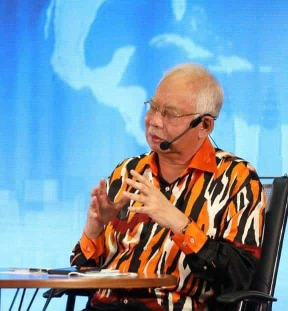 Panas!! Najib sekolahkan ketua pemuda Bersatu