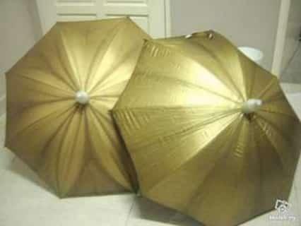 Lain yang diharap, lain yang dapat : Mengharap payung emas, namun yang dapat dibelasah madu dengan payung besi