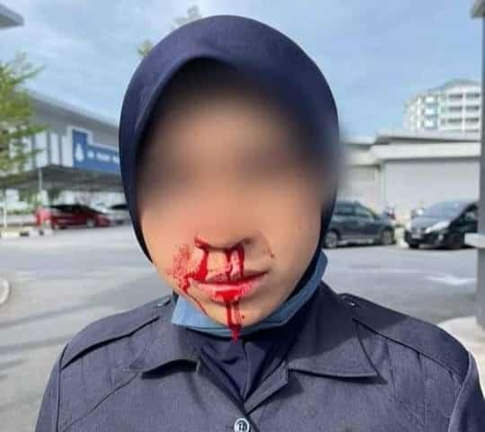 [VIDEO] Maut kemalangan selepas tumbuk polis, conteng pagar istana