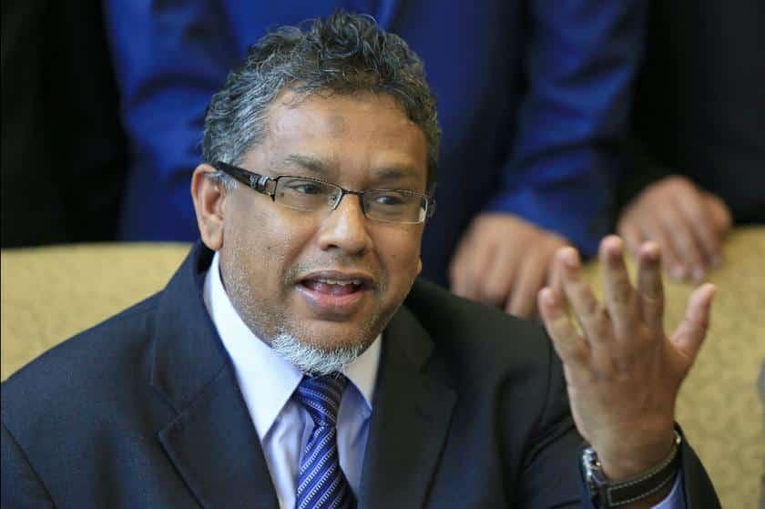 Hanipa dakwa Azhar jadikan parlimen umpama sarkas