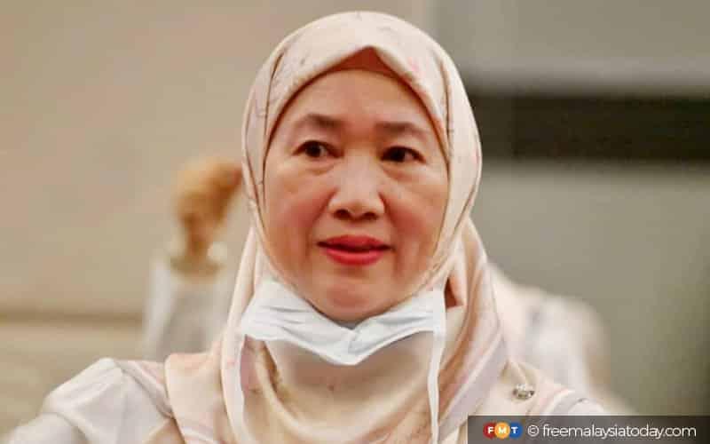 Gempar!!! Sahabat baik Hadi ditendang dari Majlis Getah Malaysia, digantikan orang Zuraida
